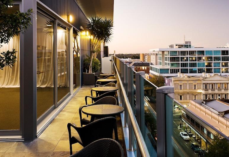 Majestic Roof Garden Hotel, Adelaide, Terrace/Patio