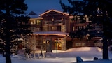 View this ski hotel in Mammoth Lakes