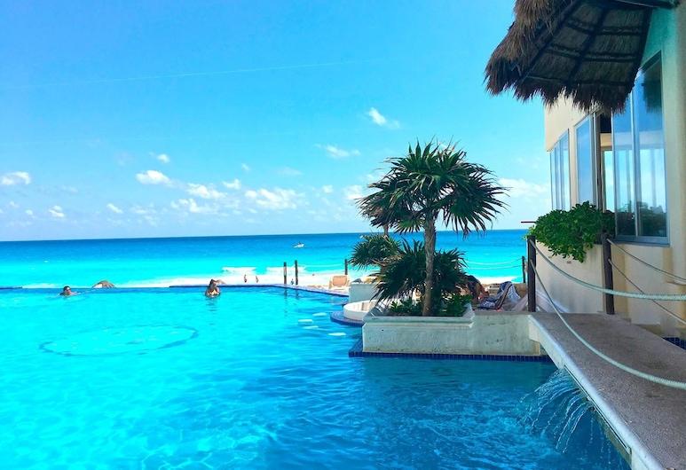 Cancun Plaza, كانكون, حمام سباحة