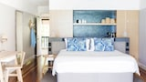 Choose This Romantic Hotel in Hamilton Island -  - Online Room Reservations