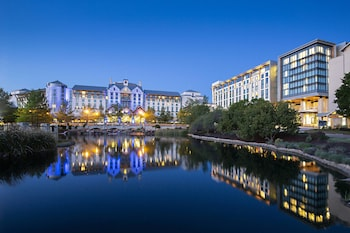 Picture of Gaylord Texan Resort & Convention Center in Grapevine