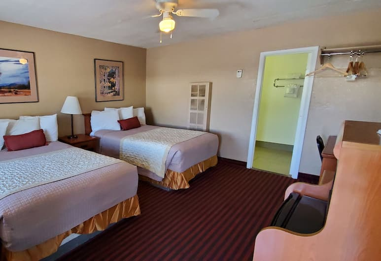 The L Motel, Flagstaff, Standard Room, 2 Double Beds, Guest Room