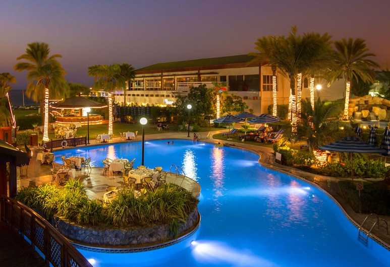 Dubai Marine Beach Resort & Spa, Dubai, Outdoor Pool