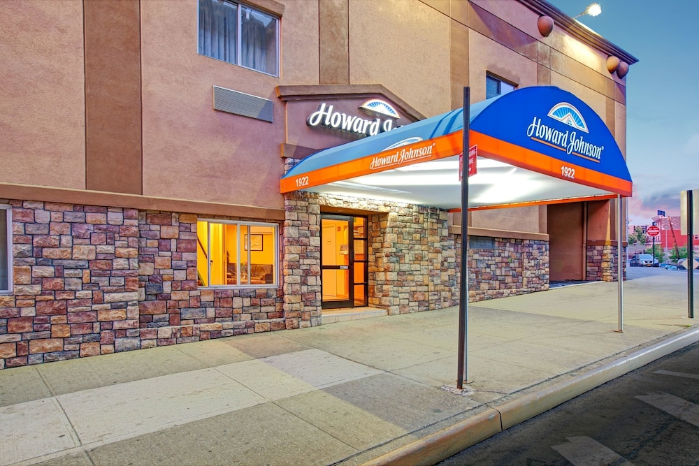 Howard Johnson By Wyndham Bronx