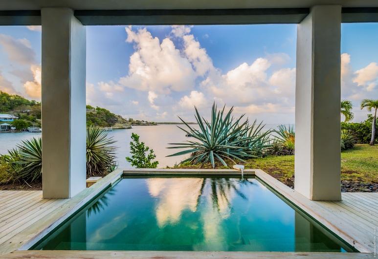 卡佩斯特礁湖渡假水療飯店, 勒弗朗索瓦, 室內游泳池