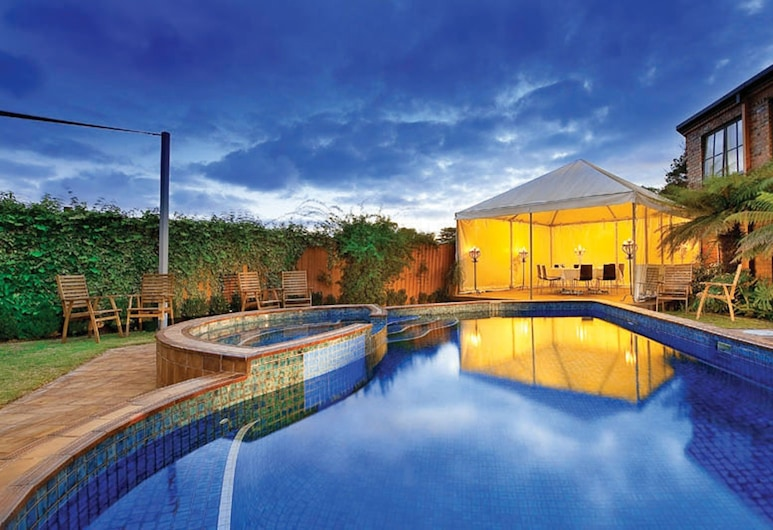 Best Western Plus Buckingham International, Highett, Outdoor Spa Tub