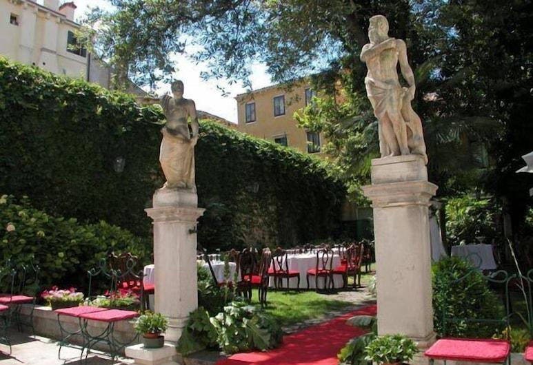 Hotel Palazzo Abadessa, Venice, Outdoor Dining