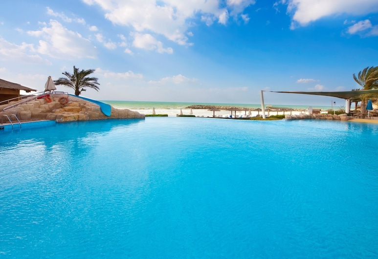 Coral Beach Resort - Sharjah, Sharjah, Outdoor Pool