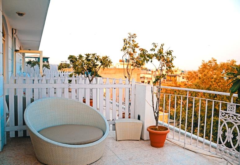 Hotel Ajanta, New Delhi, Suite with Airport Pickup, Balcony