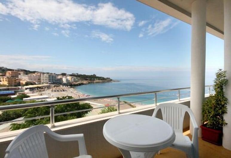 Apartments Deus, Bar, Terrace/Patio
