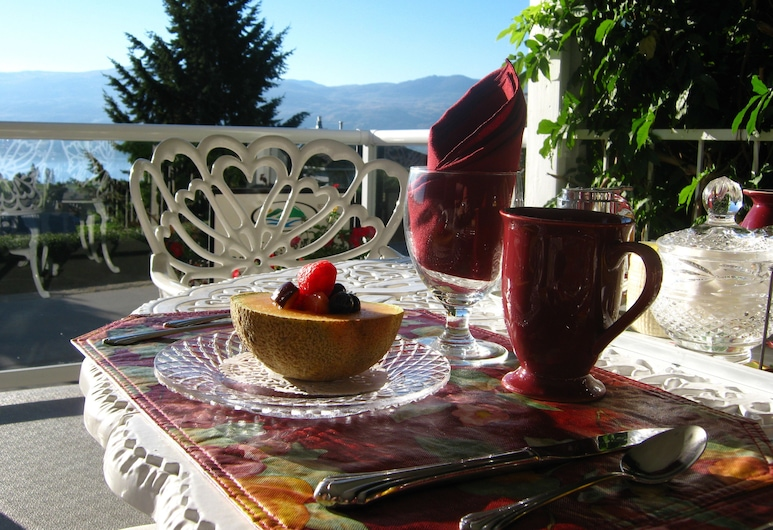 A View to Remember Bed & Breakfast, West Kelowna, Outdoor Dining