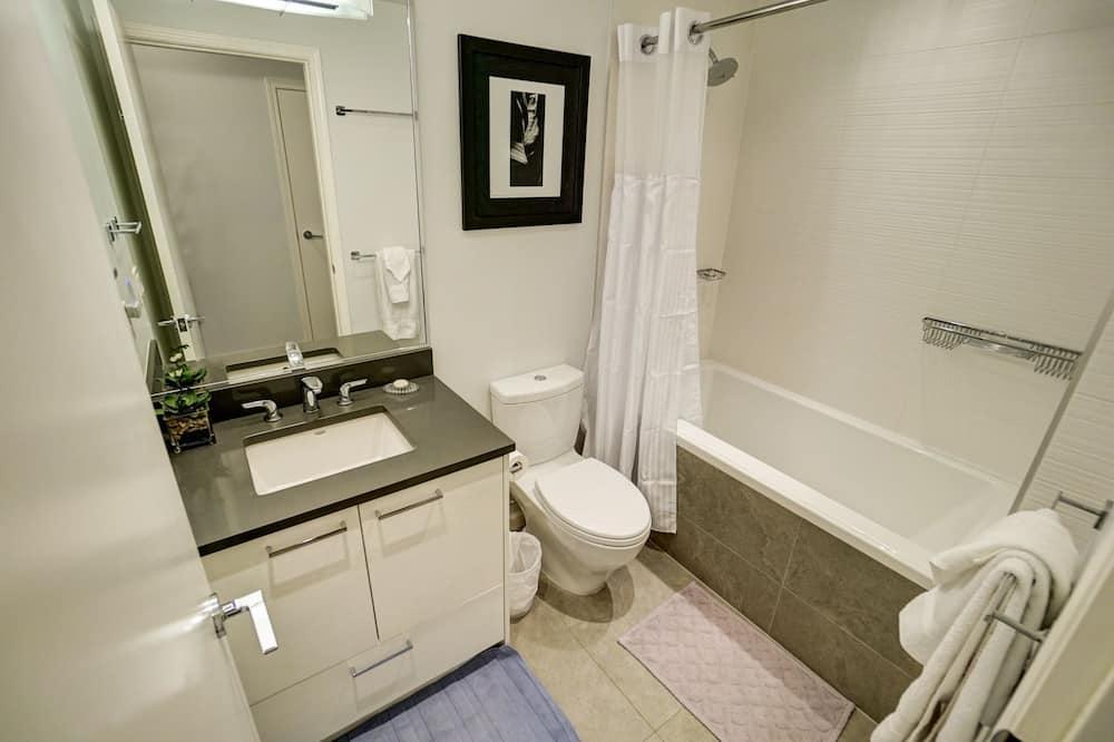 Apartment, 2 Bedrooms, 2 Bathrooms, City View - Bathroom