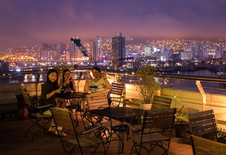 特拉旅館, 釜山