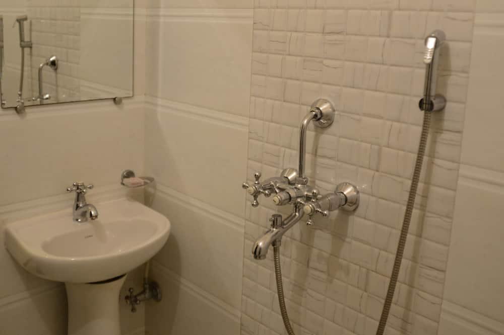 Deluxe Non-AC - Bathroom