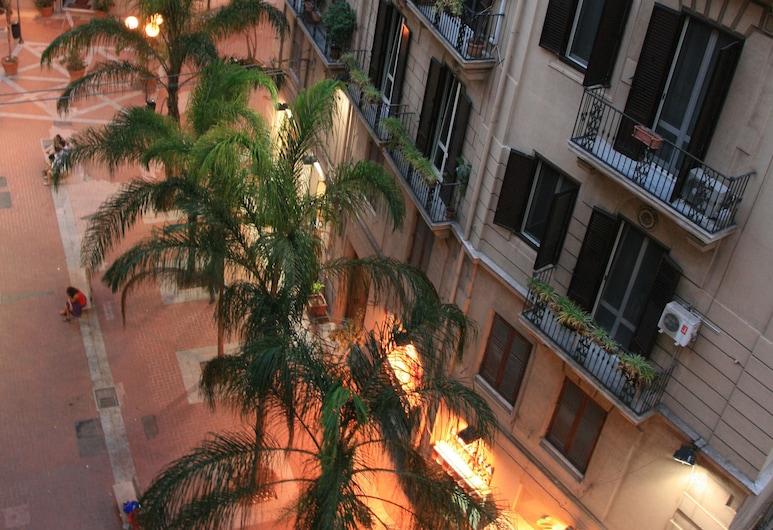 Castelnuovo Rooms & Breakfast, Palermo, Facciata hotel (sera/notte)