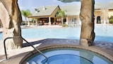 Choose This Luxury Hotel in Kissimmee