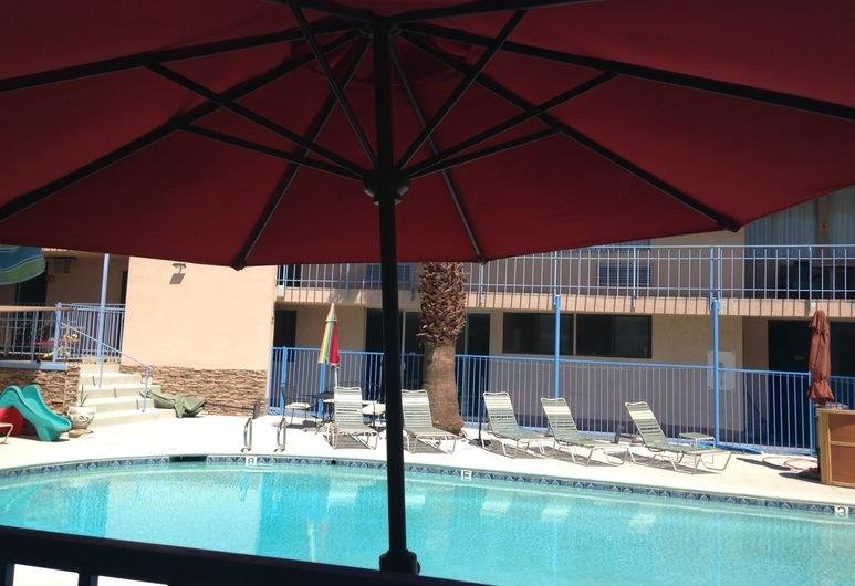 Sandpiper Springs Spa & Retreat, דזרט הוט ספרינגס, נוף מהמלון