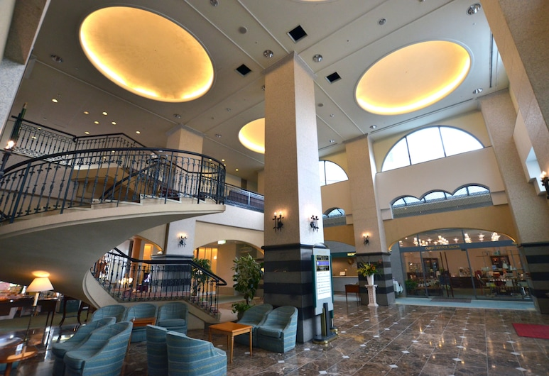 Nagasaki International Hotel, Омура