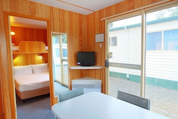 Enter your dates to get the Hobart hotel deal