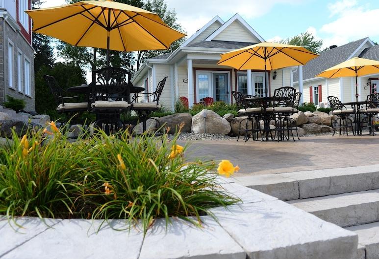 L'Auberge du Lac Champlain Chalet et Spa, Venise-en-Quebec, Terasa