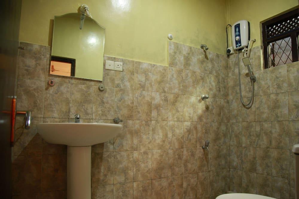 Phòng 4 dành cho gia đình, 1 phòng ngủ, Phù hợp cho người khuyết tật, Phòng tắm riêng - Phòng tắm