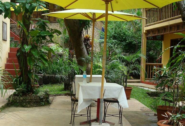 Sun Garden Hilltop Resort, Boracay Island, Restauration en terrasse