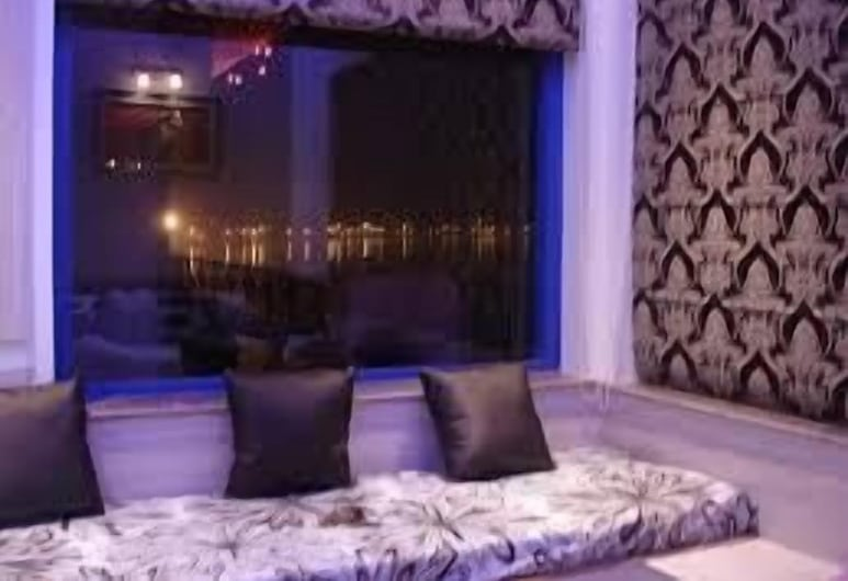 Rahul Guest House, Varanasi, Superior Double Room, Guest Room View
