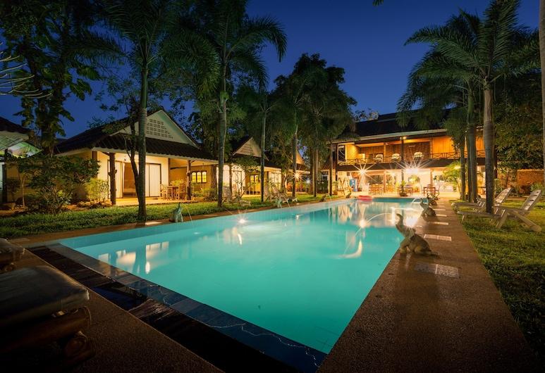 CAPITAL O 834 Iyara Resort & Spa, Kočangas, Lauko baseinas