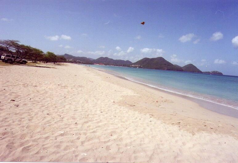 Caribbean Breeze, Gros Islet, Strand