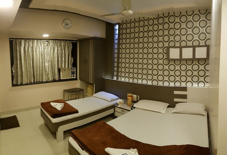 Nice Guest House, Mumbai, Triple bed deluxe, Guest Room