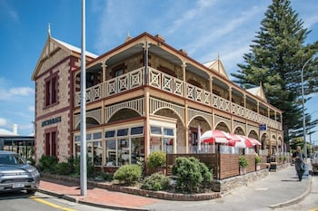 Picture of Anchorage Seafront Hotel in Victor Harbor