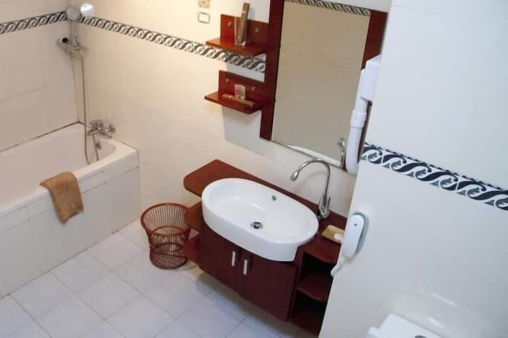 標準雙人房, 1 張加大雙人床 - 浴室