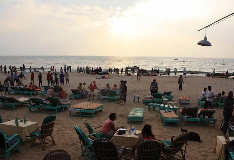 Ancora Beach Resort, Baga, Beach