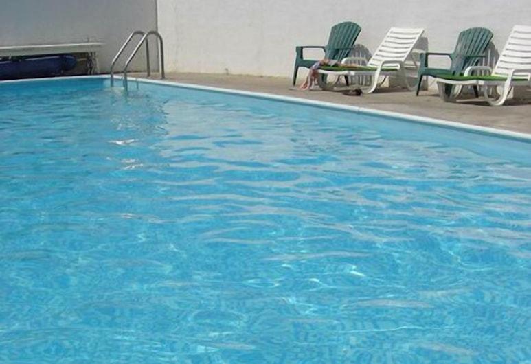 Falcon Resort, Osoyoos, Εξωτερική πισίνα