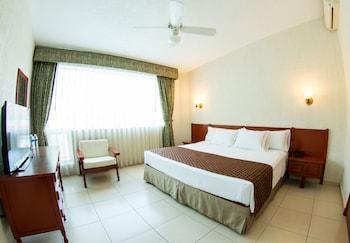 Фото Hotel Estancia у місті Запопан