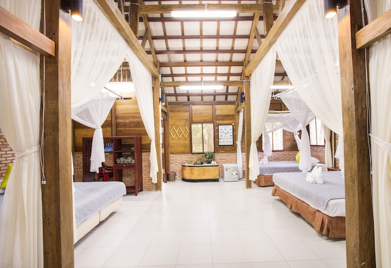 Cat Tien Farm Stay, Tan Phu, Poilsio namelis, vaizdas į upę (   1), Svečių kambarys