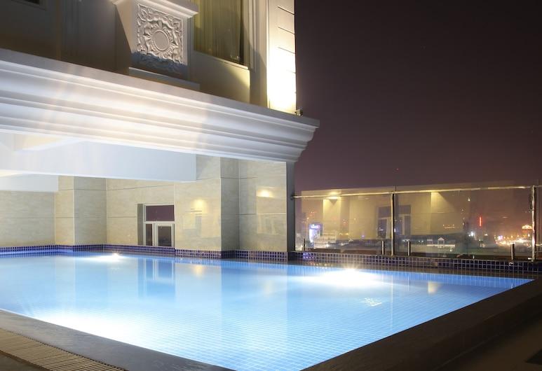 West Hotel, Can Tho, Lauko baseinas