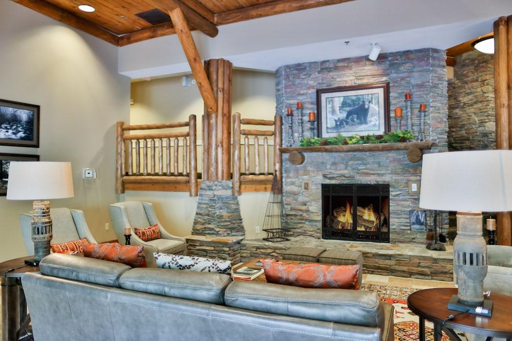 Baskins Creek Condos By Wyndham Vacation Rentals, Gatlinburg, Lobby
