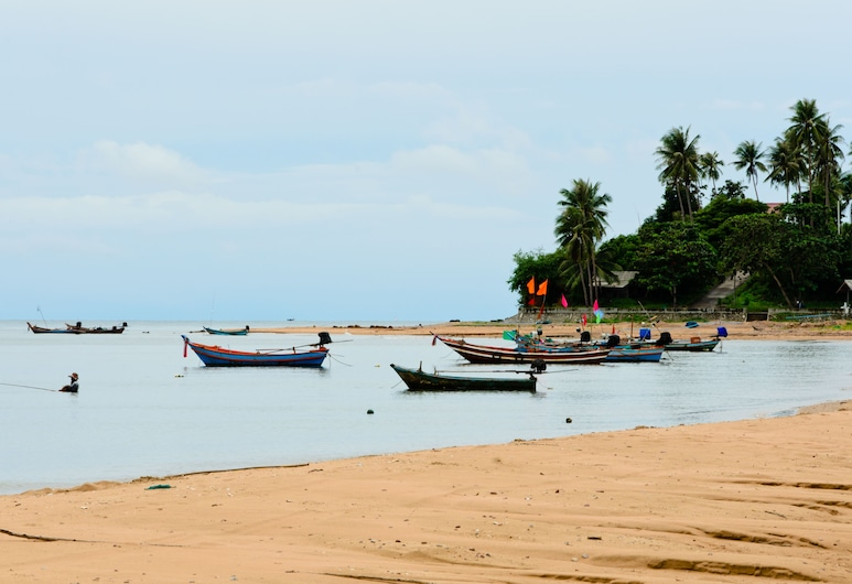 Sananwan Beach B&B, Bang Saphan Noi