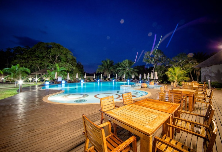 The Royal Senchi Resort/Hotel, Akosombo, Lauko baseinas