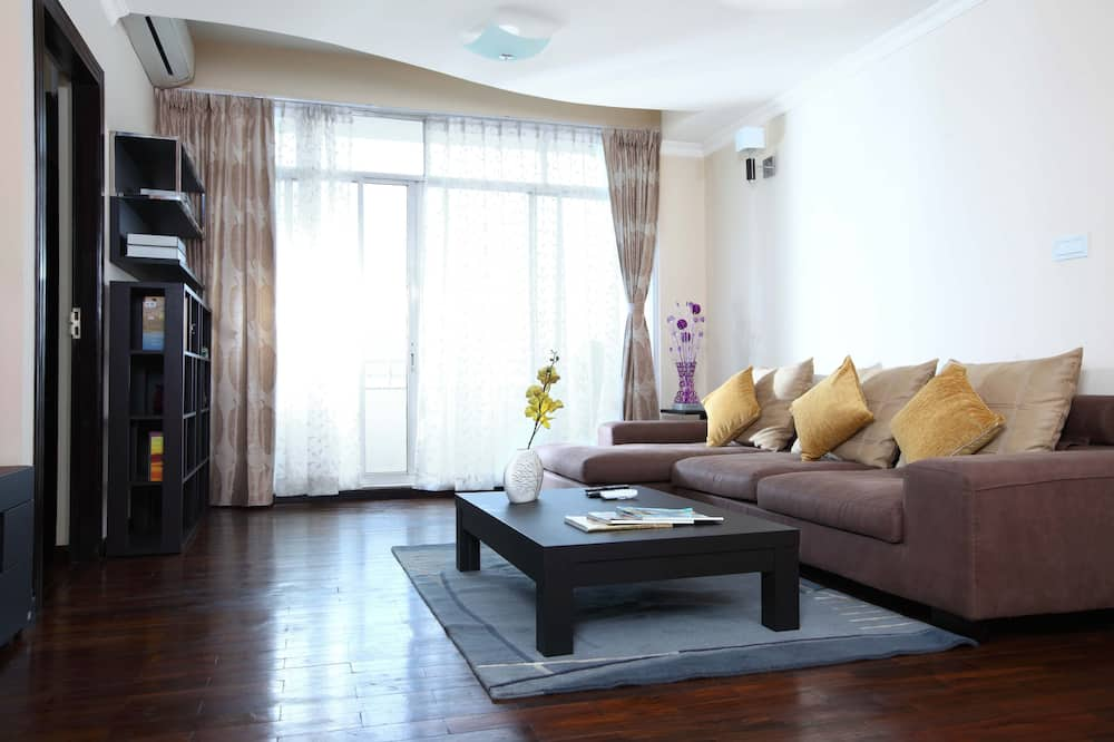 Luxury Apartment, 2 Bedrooms, Kitchen, City View - Living Room