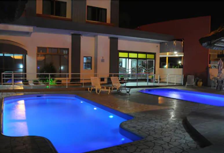 Hotel Conexão, Penha, Lauko baseinas