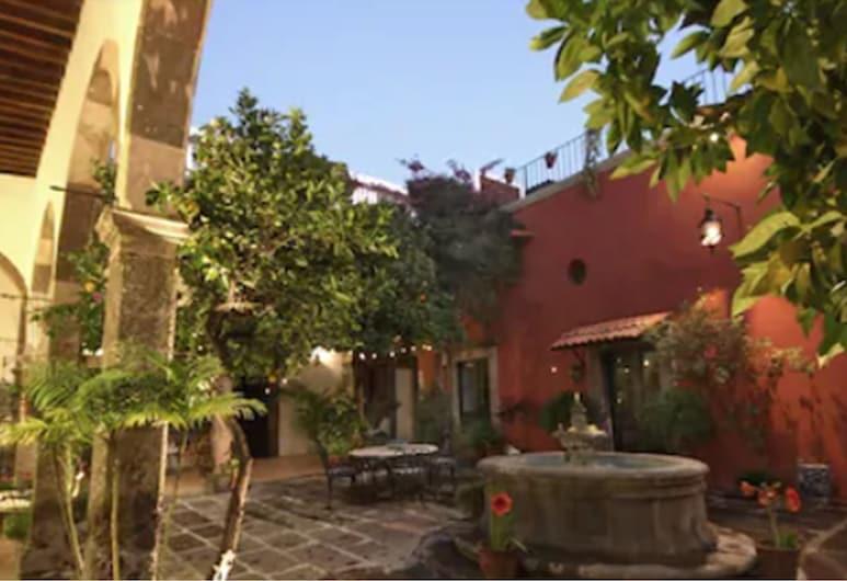Hotel Casa Carmen, San Miguel de Allende, Courtyard