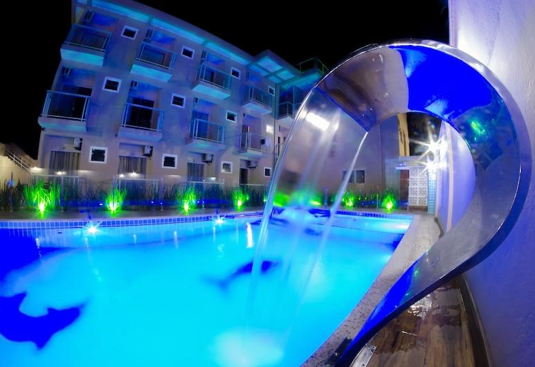 維拉雷若公園旅館, 卑拿, 泳池