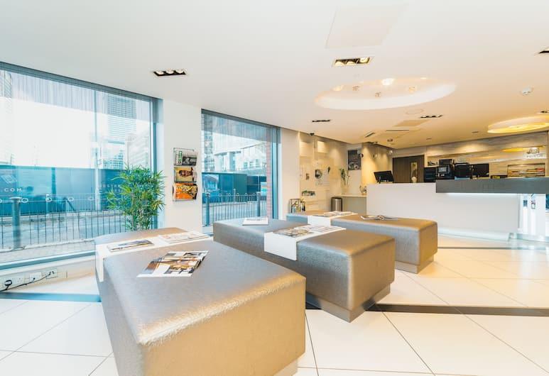 Point A Hotel - London, Canary Wharf, London, Siddeområde i lobby