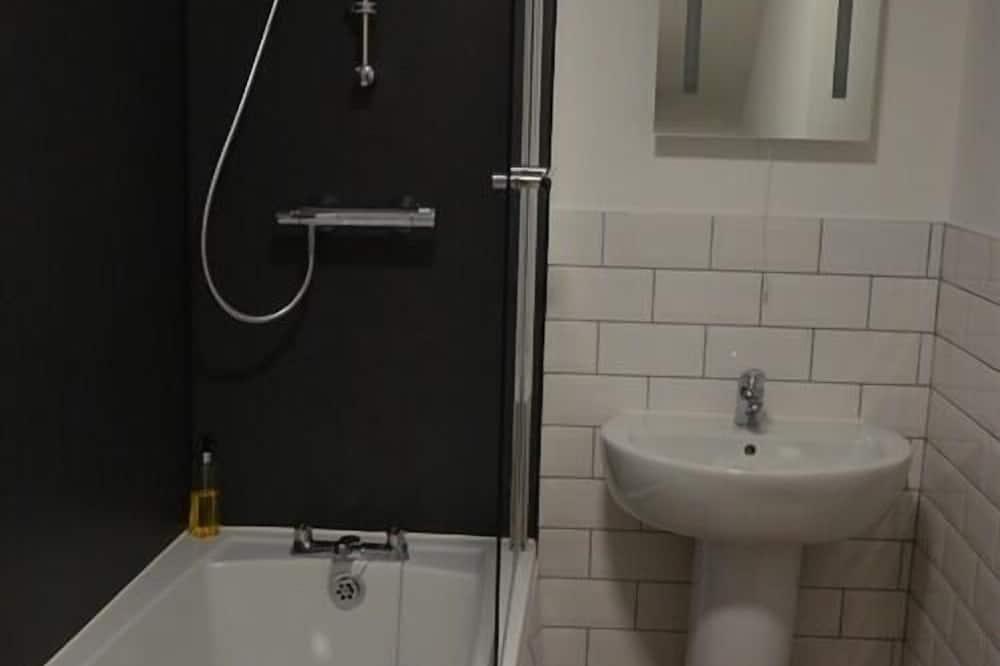 Family-Superior-Ensuite  - Bathroom