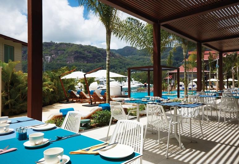 Eden Bleu Hotel, Mahé, Restaurante al aire libre