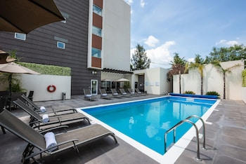 Picture of Holiday Inn Express & Suites Celaya in Celaya