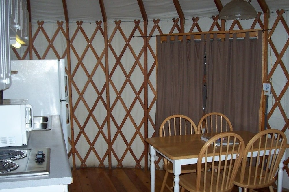 Tent, Non Smoking, Kitchenette (Yurt, No Pets) - In-Room Dining