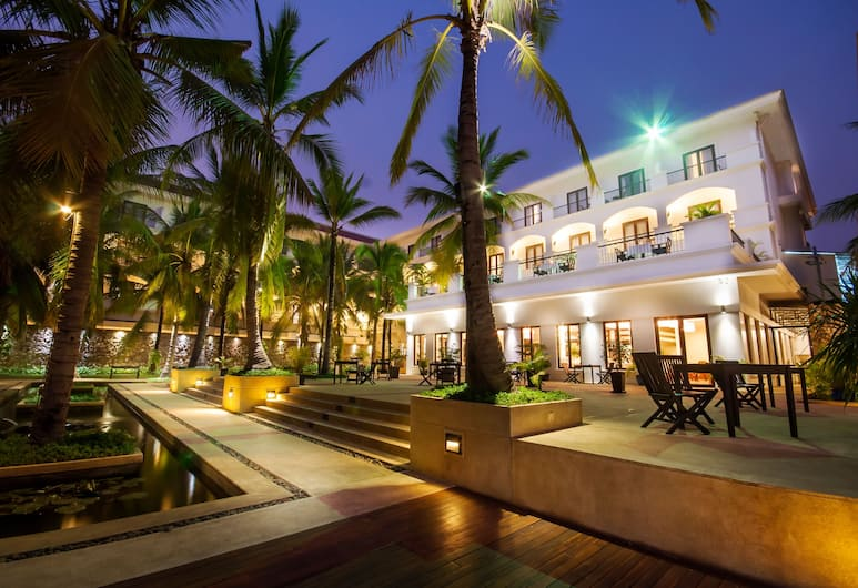 The Privilege Floor by LOTUS BLANC, Siem Reap, Hotel Front – Evening/Night